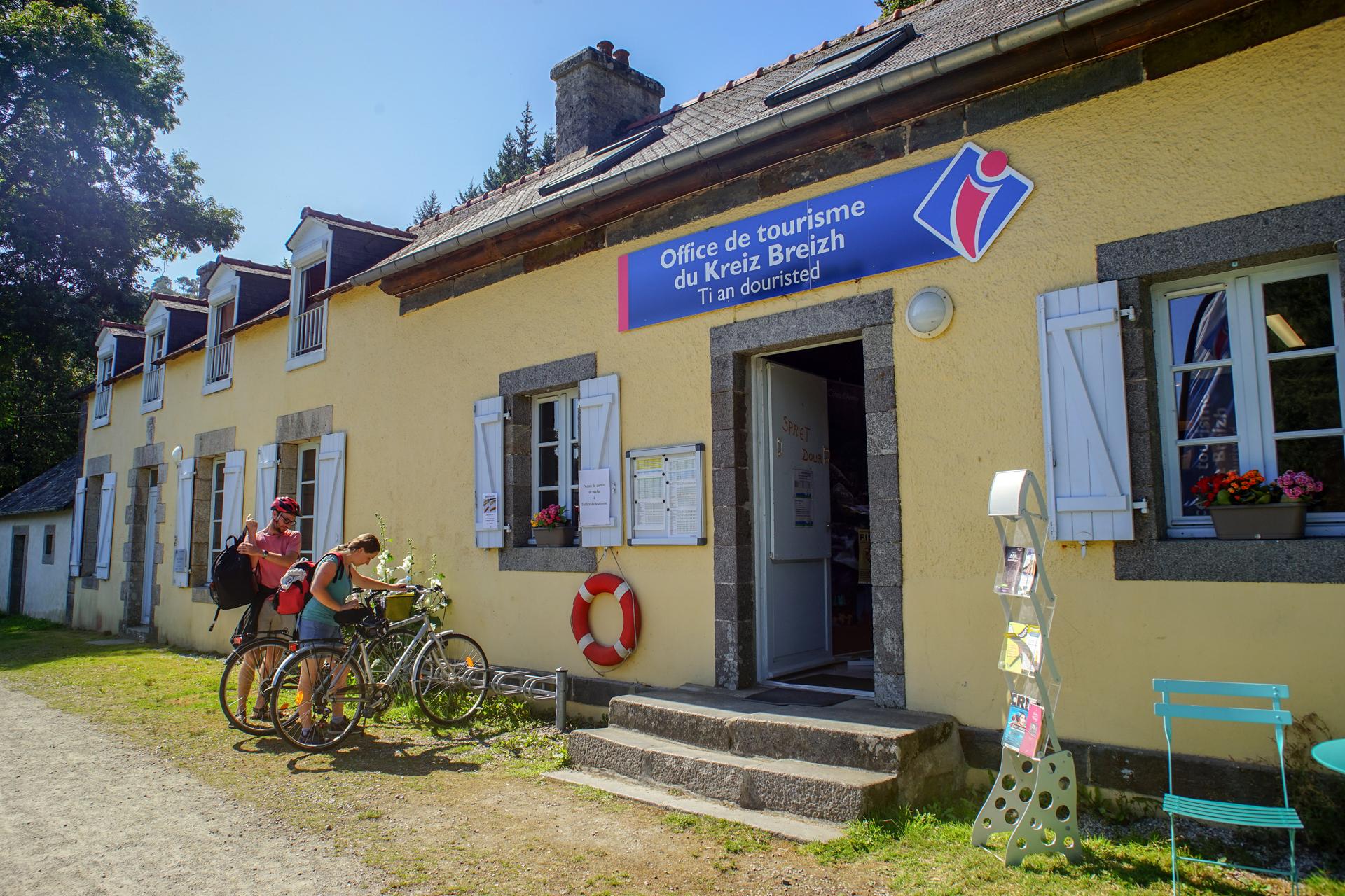 Maison eclusiere de Bon-Repos Velodyssee